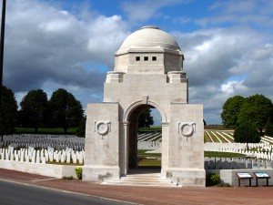Cabaret_Rouge_British_Cemetery,_Souchez,_France